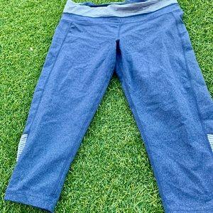 Soft Wash Blue Capri Leggings Size L